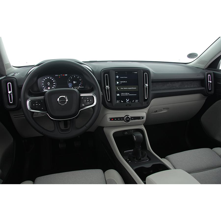 Volvo XC40 T3 163 ch -