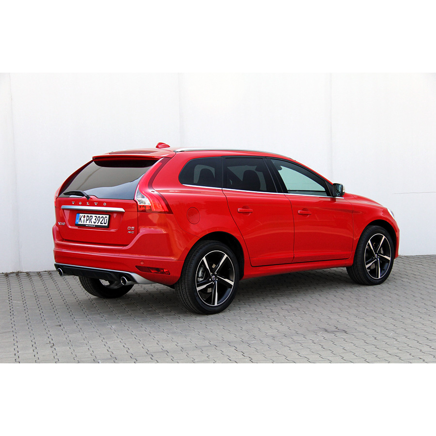 test volvo xc60 d5 awd 215 ch comparatif suv 4x4 crossover ufc que choisir. Black Bedroom Furniture Sets. Home Design Ideas