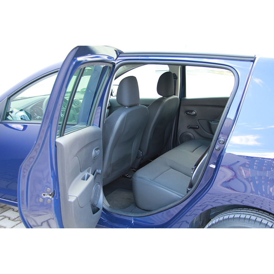 test dacia sandero 1 2 16v 75 gpl essai voiture citadine ufc que choisir. Black Bedroom Furniture Sets. Home Design Ideas