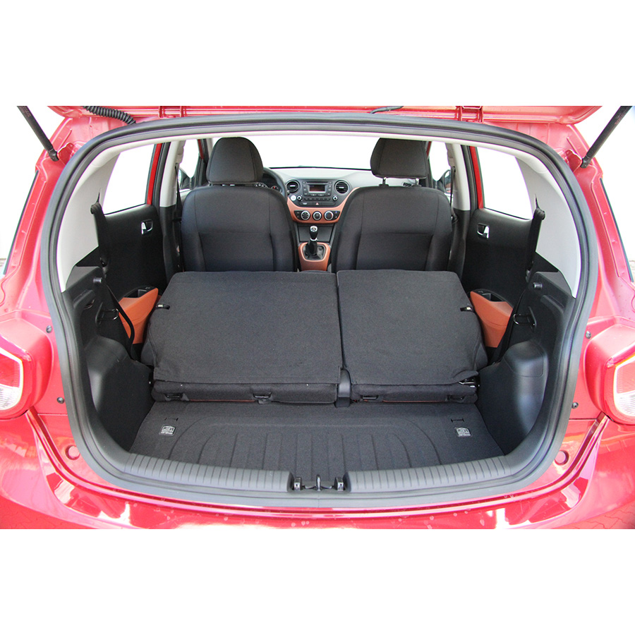 test hyundai i10 1 0 essai voiture citadine ufc que choisir. Black Bedroom Furniture Sets. Home Design Ideas