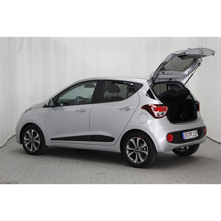 test hyundai i10 1 2 87 bvm 5 essai voiture citadine ufc que choisir. Black Bedroom Furniture Sets. Home Design Ideas