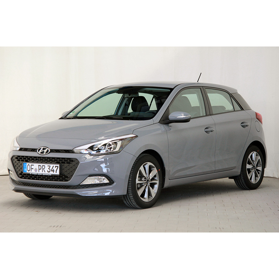 test hyundai i20 1 2 84 essai voiture citadine ufc que. Black Bedroom Furniture Sets. Home Design Ideas