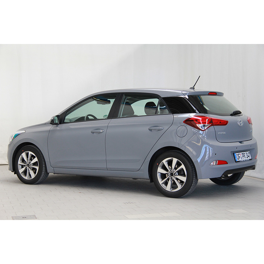 test hyundai i20 1 2 84 essai voiture citadine ufc que choisir. Black Bedroom Furniture Sets. Home Design Ideas