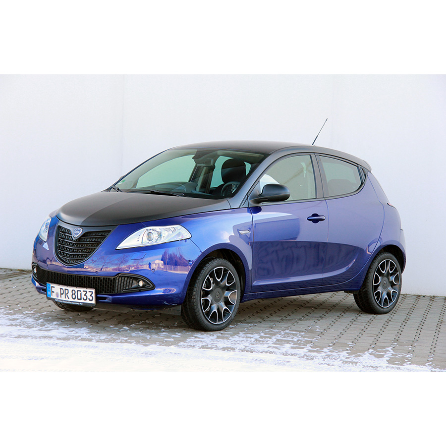 test lancia ypsilon 1 2 8v 69 ch stop start essai voiture citadine ufc que choisir. Black Bedroom Furniture Sets. Home Design Ideas
