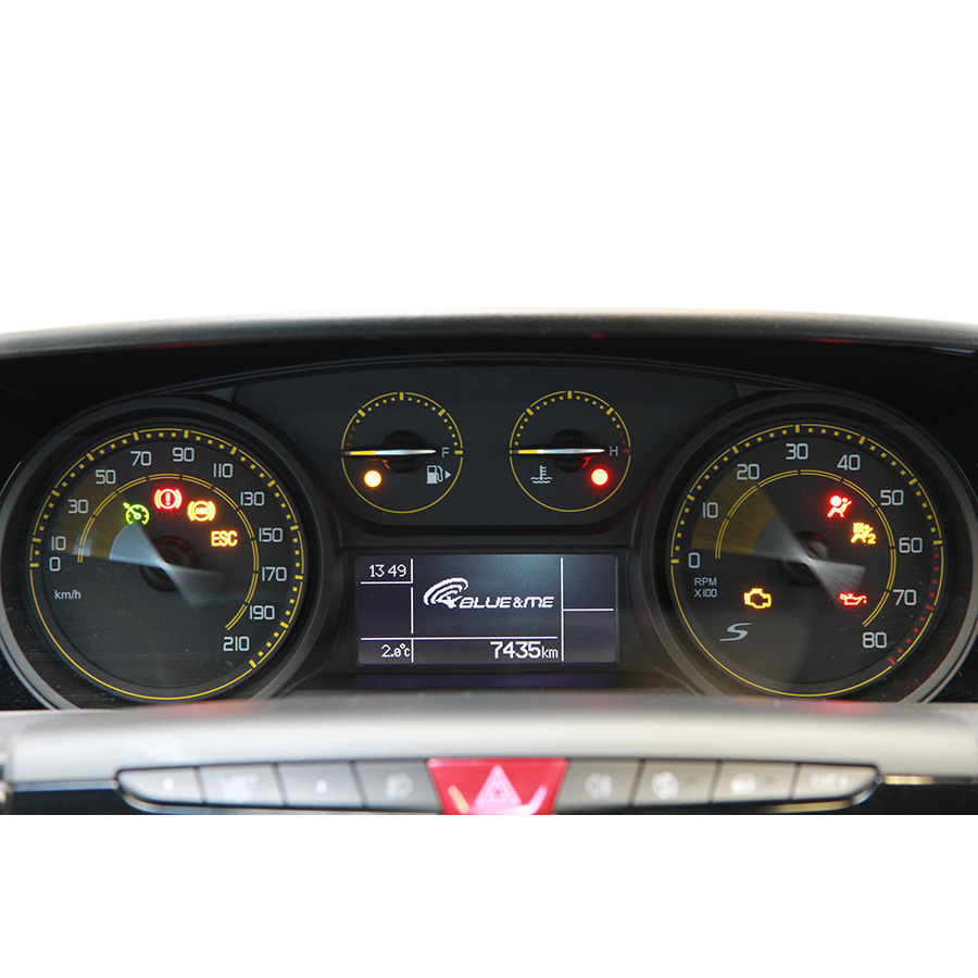 Lancia Ypsilon 1.2 8v 69 ch Stop & Start -