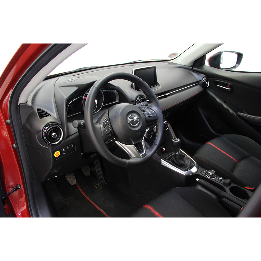 test mazda 2 1 5l skyactiv d 105 ch essai voiture citadine ufc que choisir. Black Bedroom Furniture Sets. Home Design Ideas
