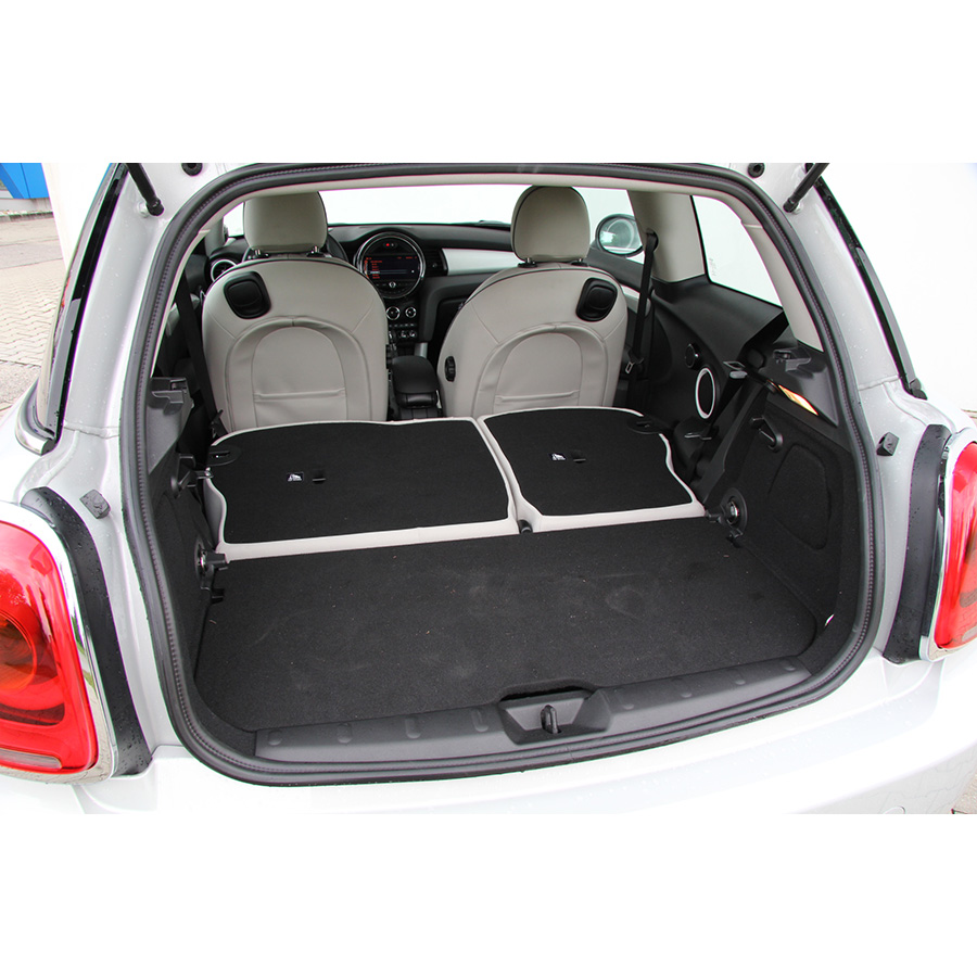 test mini cooper 136 ch essai voiture citadine ufc que choisir. Black Bedroom Furniture Sets. Home Design Ideas