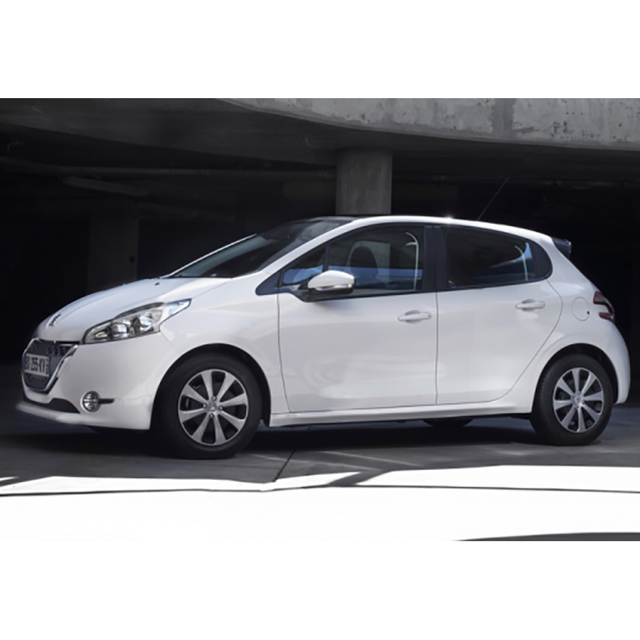 test peugeot 208 1 2 vti 82 bvm5 essai voiture citadine ufc que choisir. Black Bedroom Furniture Sets. Home Design Ideas