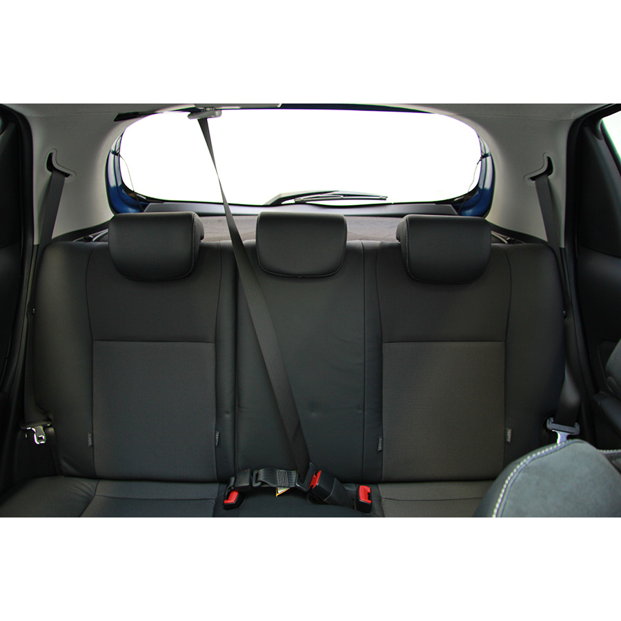 test toyota yaris 100 vvt i essai voiture citadine ufc. Black Bedroom Furniture Sets. Home Design Ideas