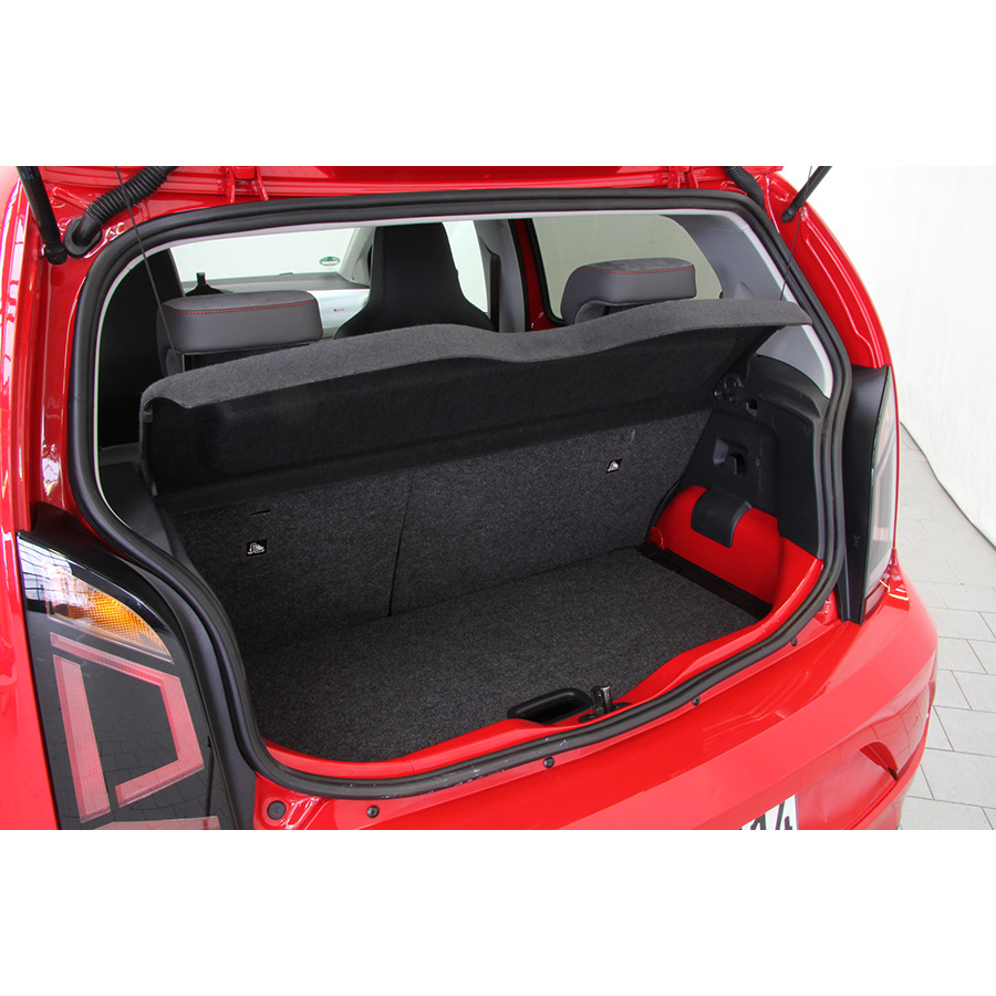 test volkswagen up 1 0 90 beatsaudio essai voiture. Black Bedroom Furniture Sets. Home Design Ideas