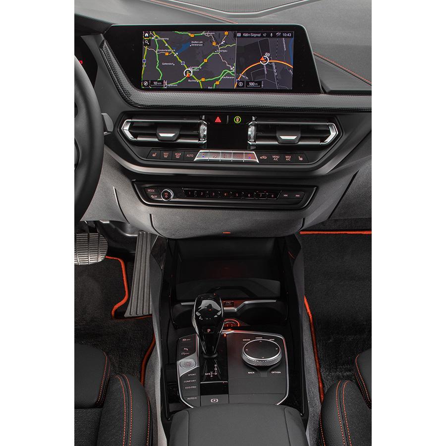 BMW 118i 140 ch DKG7 -