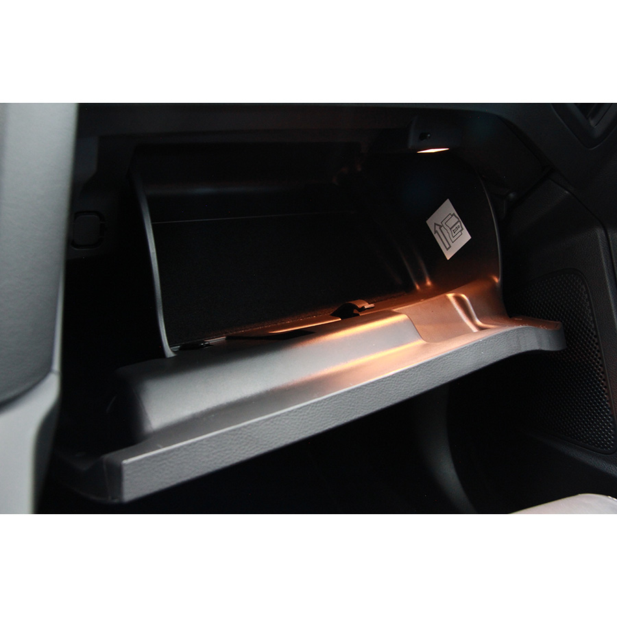 test ford focus sw 2 0 ecoboost 250 start stop essai voiture compacte ufc que choisir. Black Bedroom Furniture Sets. Home Design Ideas