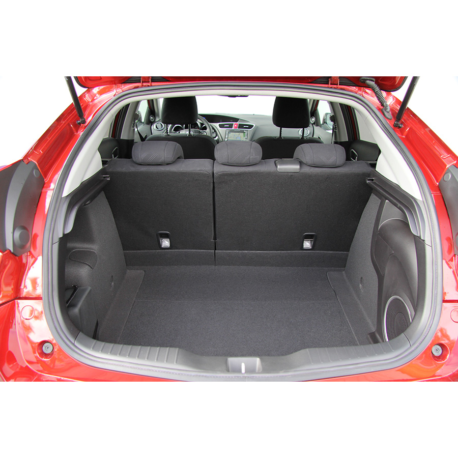 test honda civic 1 6 i dtec 120 essai voiture compacte ufc que choisir. Black Bedroom Furniture Sets. Home Design Ideas