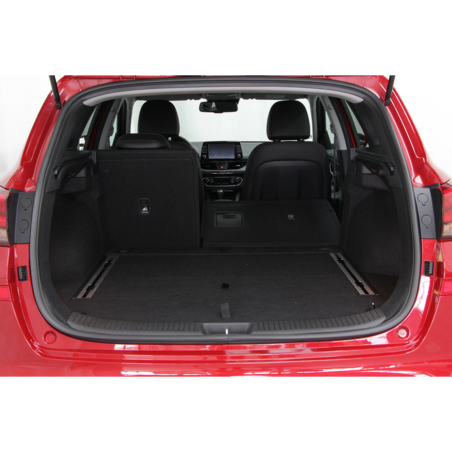 test hyundai i30 kombi 1 0 t gdi 120 bvm6 essai voiture compacte ufc que choisir. Black Bedroom Furniture Sets. Home Design Ideas