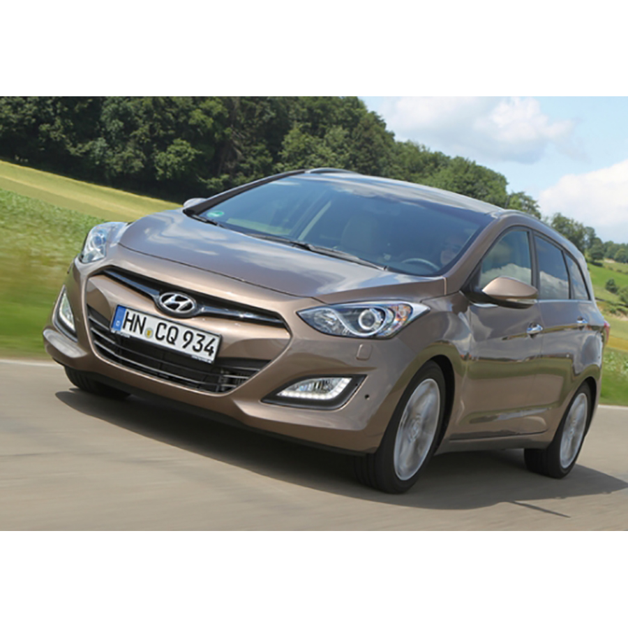 test hyundai i30 sw 1 6 crdi 128 essai voiture compacte ufc que choisir. Black Bedroom Furniture Sets. Home Design Ideas