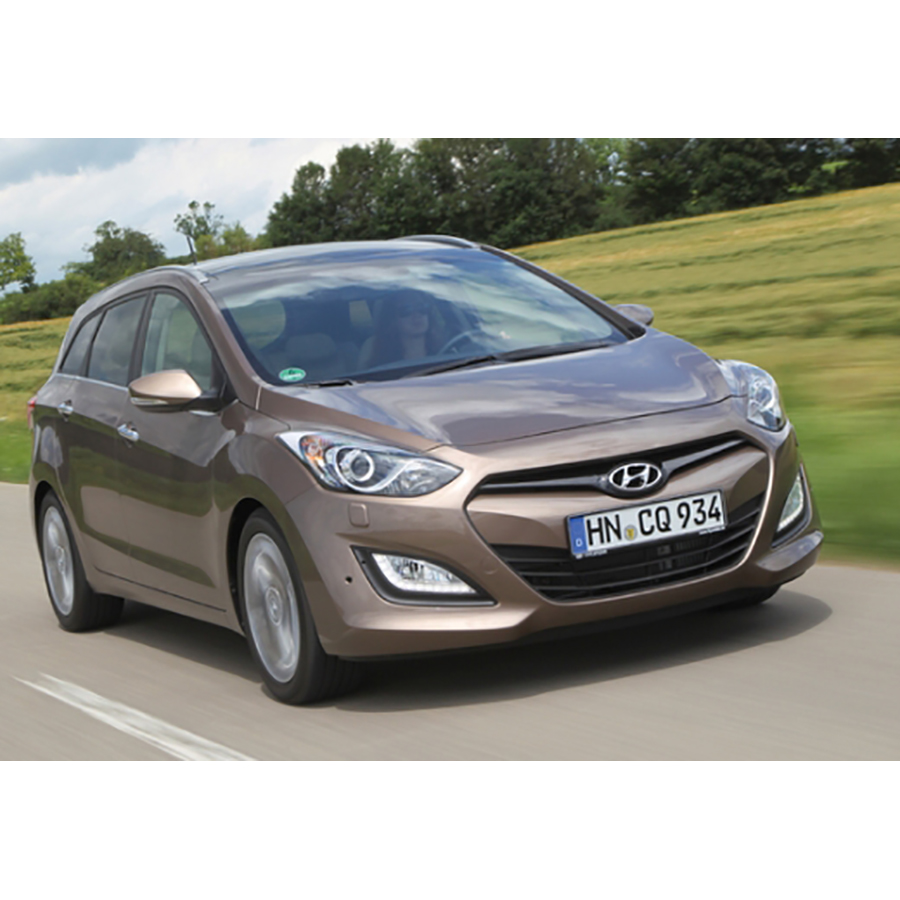 test hyundai i30 sw 1 6 crdi 128 essai voiture compacte. Black Bedroom Furniture Sets. Home Design Ideas