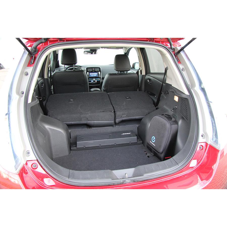 test nissan leaf essai voiture compacte ufc que choisir. Black Bedroom Furniture Sets. Home Design Ideas