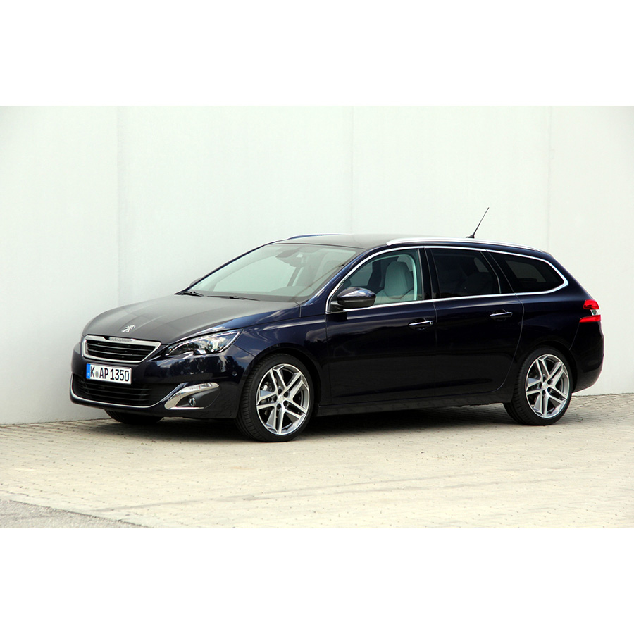 test peugeot 308 sw 1 2 puretech s s 130 ch essai voiture compacte ufc que choisir. Black Bedroom Furniture Sets. Home Design Ideas