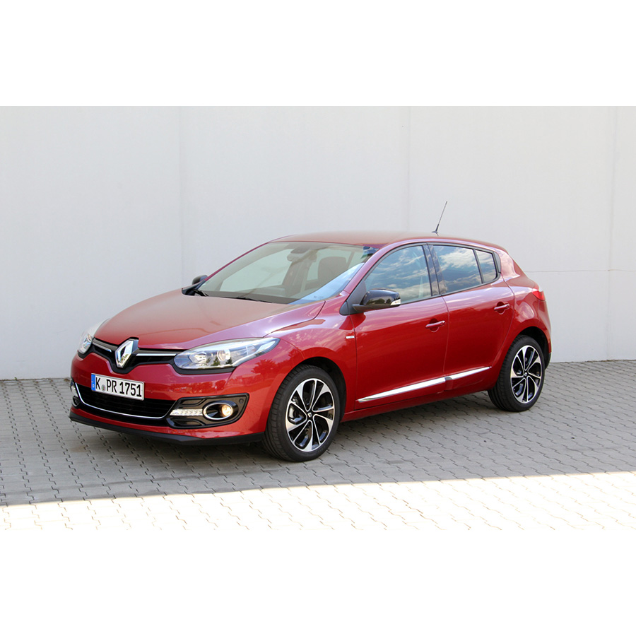 test renault megane iii tce 130 energy eco2 essai voiture compacte ufc que choisir. Black Bedroom Furniture Sets. Home Design Ideas