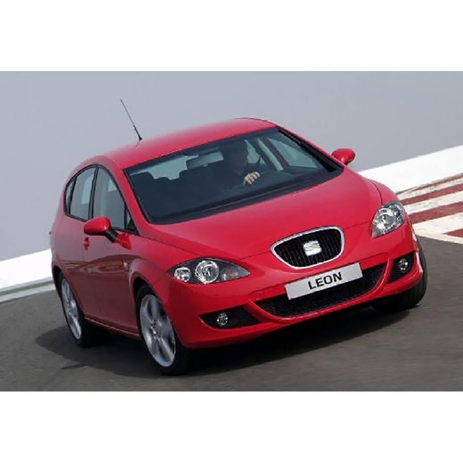 test seat leon 1 4 tsi 125 essai voiture compacte ufc que choisir. Black Bedroom Furniture Sets. Home Design Ideas