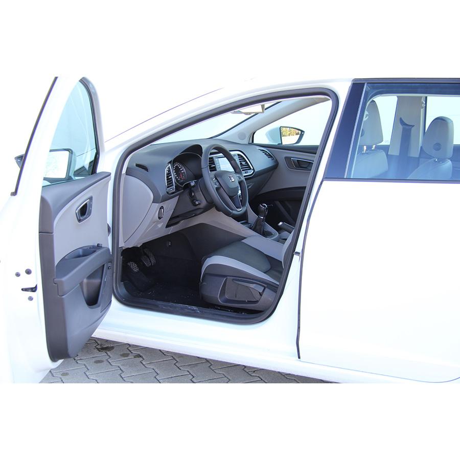 test seat leon st 1 6 tdi 105 start stop essai voiture compacte ufc que choisir. Black Bedroom Furniture Sets. Home Design Ideas