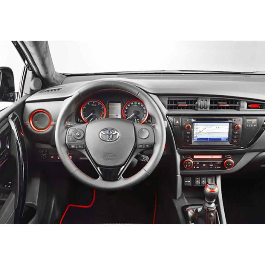 test toyota auris touring sports hybride 136h essai voiture compacte ufc que choisir. Black Bedroom Furniture Sets. Home Design Ideas