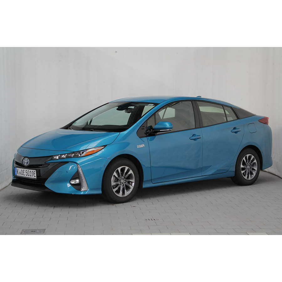 test toyota prius hybride rechargeable essai voiture