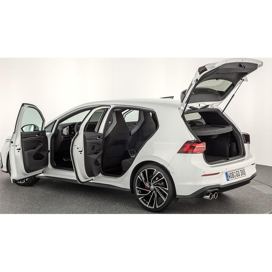 Volkswagen Golf 2.0 TDI SCR 200 DSG7 -