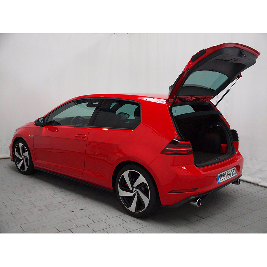 test volkswagen golf 2 0 tsi 245 bmt dsg7 gti essai voiture compacte ufc que choisir. Black Bedroom Furniture Sets. Home Design Ideas