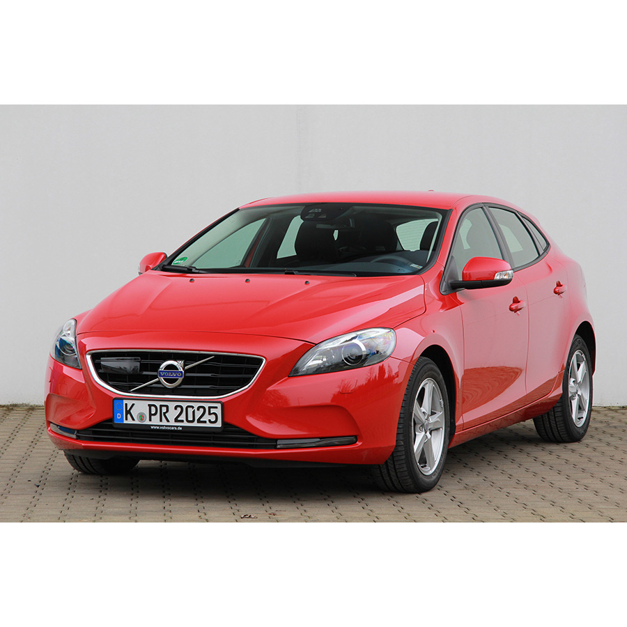 test volvo v40 d4 190 essai voiture compacte ufc que. Black Bedroom Furniture Sets. Home Design Ideas