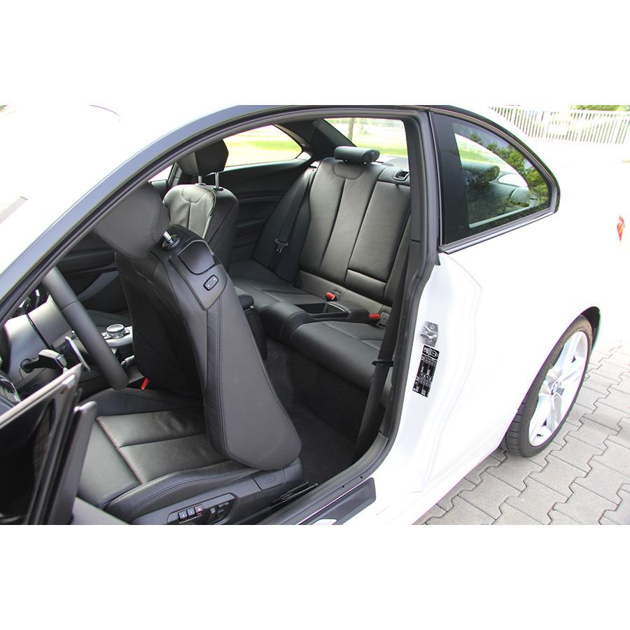 BMW 220i coupé A -