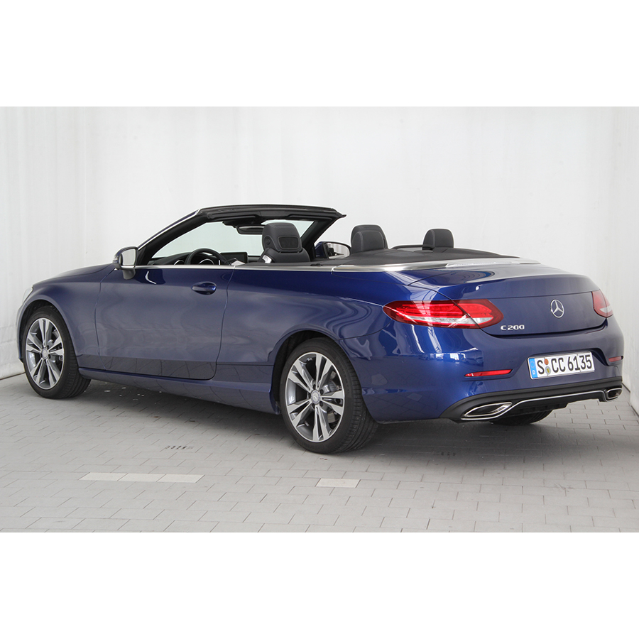 test mercedes classe c cabriolet 200 essai voiture coup cabriolet ufc que choisir. Black Bedroom Furniture Sets. Home Design Ideas