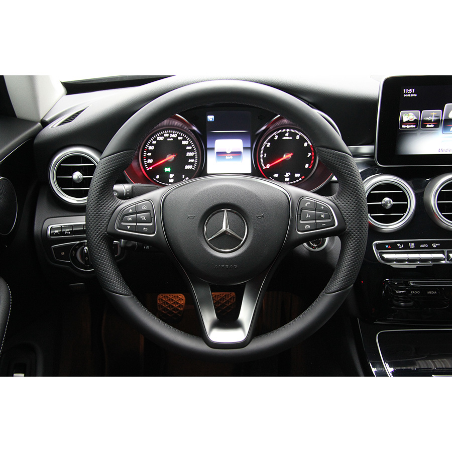 test mercedes classe c coup 180 essai voiture coup. Black Bedroom Furniture Sets. Home Design Ideas