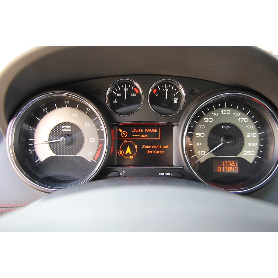 Peugeot RCZ 1.6 THP 270 ch R -