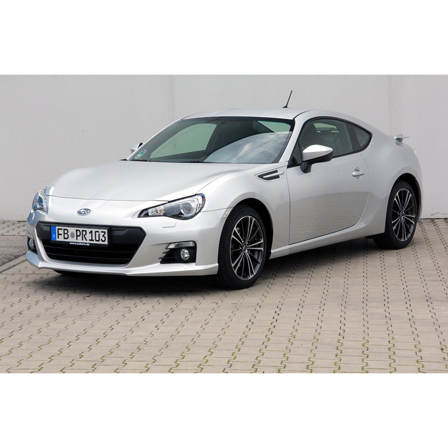 test subaru brz 2 0 200 ch essai voiture coup. Black Bedroom Furniture Sets. Home Design Ideas