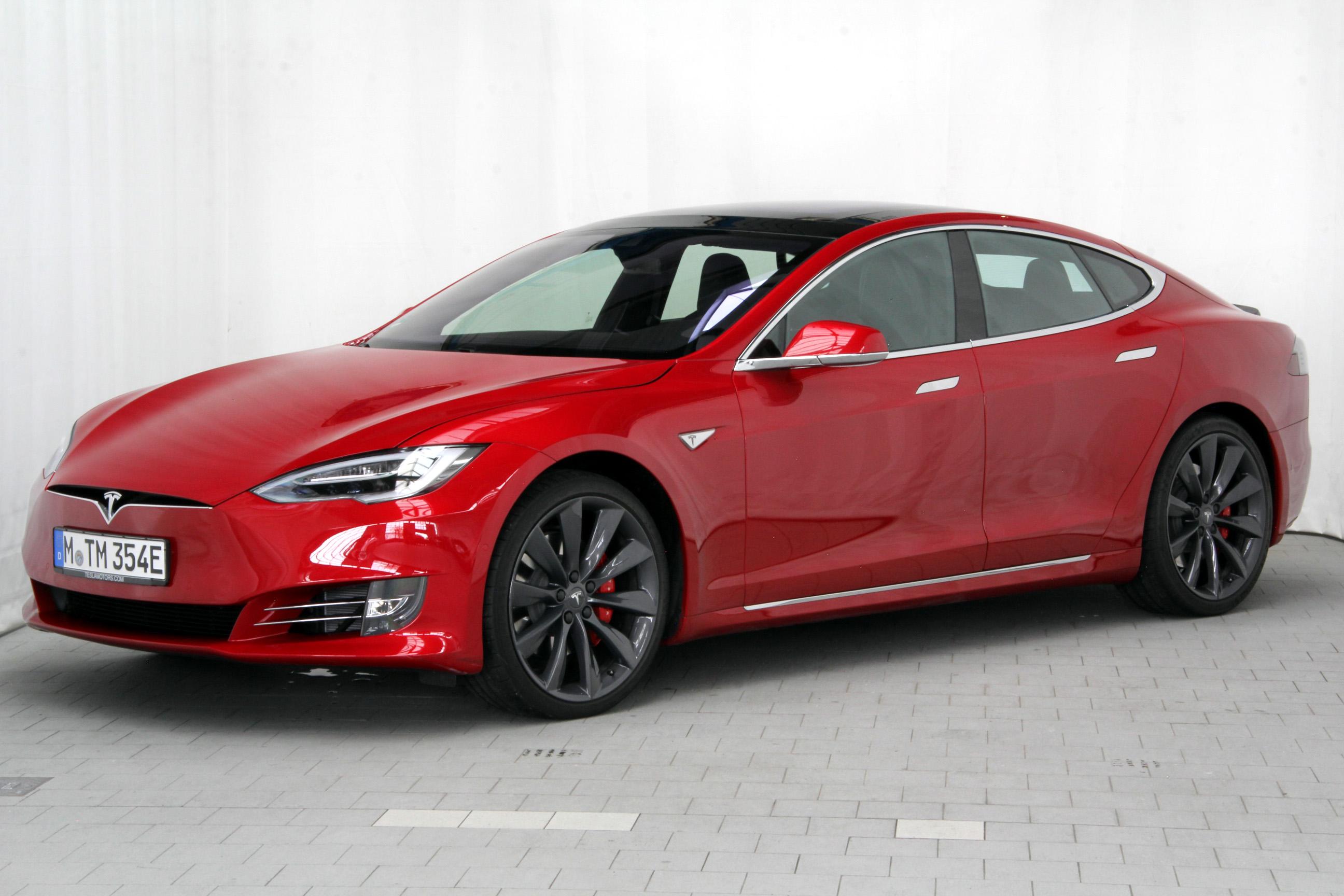 Tesla Model S 90D Dual Motor -