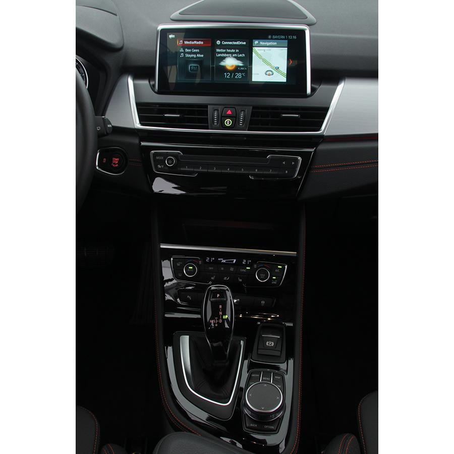 BMW 218i Active Tourer 140 ch DKG7 -