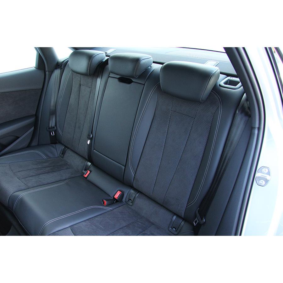 test audi a4 2 0 tdi 190 s tronic 7 essai voiture routi re ufc que choisir. Black Bedroom Furniture Sets. Home Design Ideas