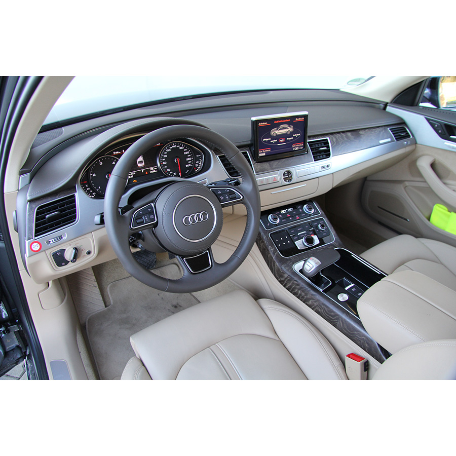 test audi a8 3 0 tdi clean diesel quattro tiptronic essai voiture routi re ufc que choisir. Black Bedroom Furniture Sets. Home Design Ideas