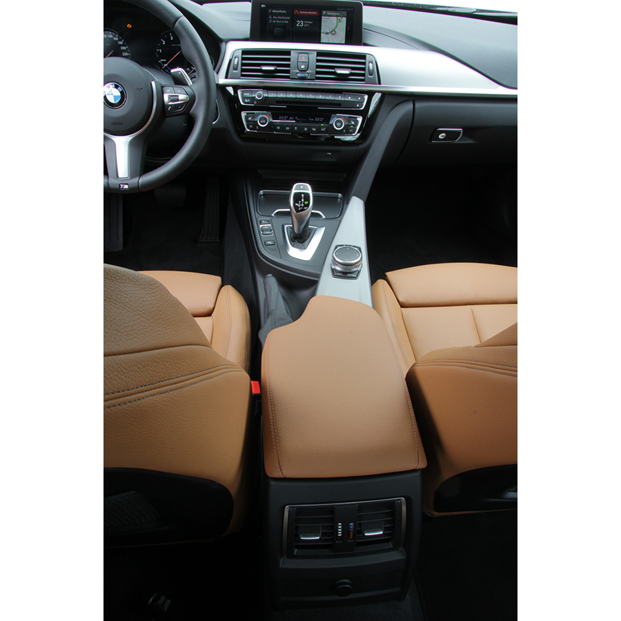 BMW 320i 184 ch -