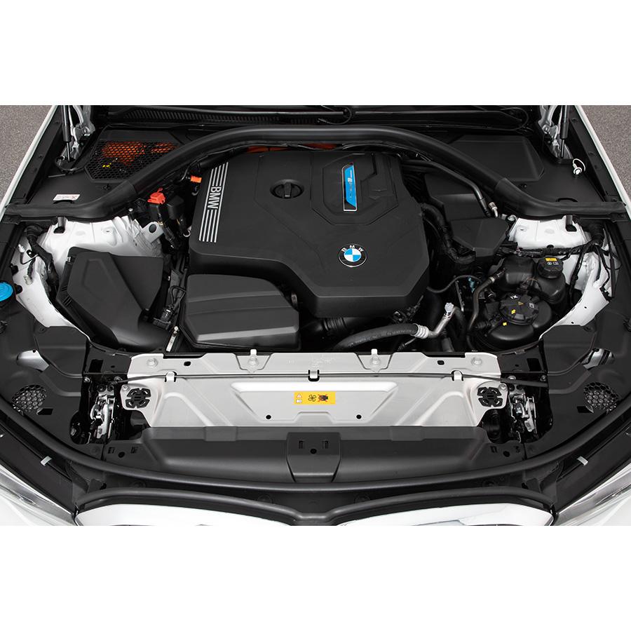 BMW 330e 292 ch BVA8 -