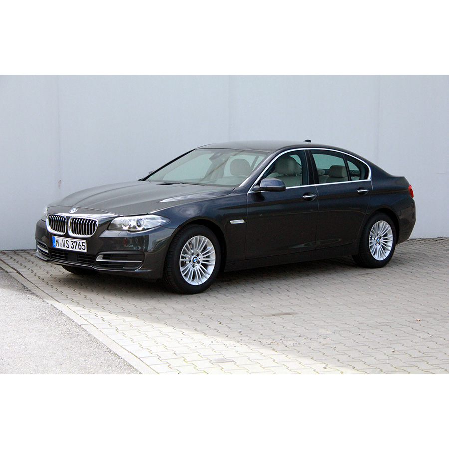 test bmw 520d 190 ch a essai voiture routi re ufc que. Black Bedroom Furniture Sets. Home Design Ideas