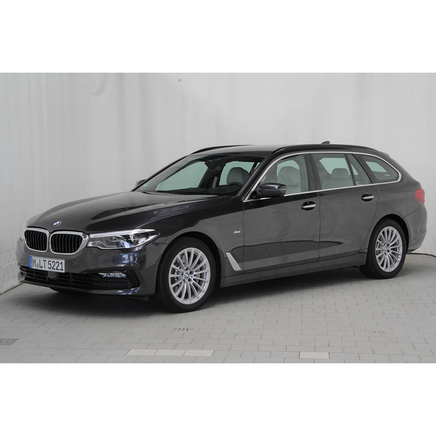 test bmw 530d touring a 265 ch essai voiture routi re. Black Bedroom Furniture Sets. Home Design Ideas