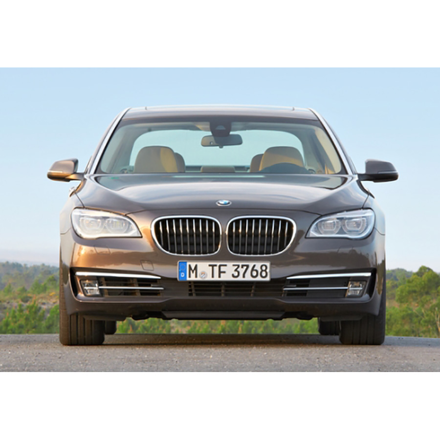 test bmw 750d xdrive a essai voiture routi re ufc que choisir. Black Bedroom Furniture Sets. Home Design Ideas