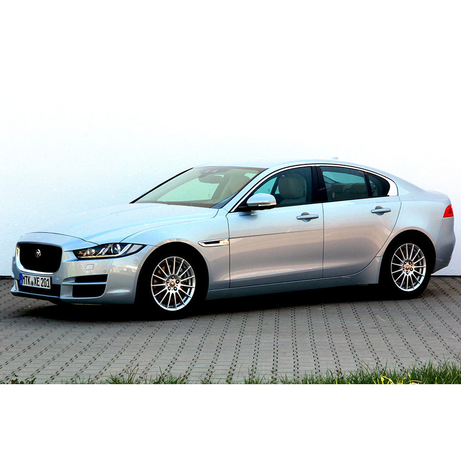 Jaguar XE 2.0 D - 163 E-Performance -