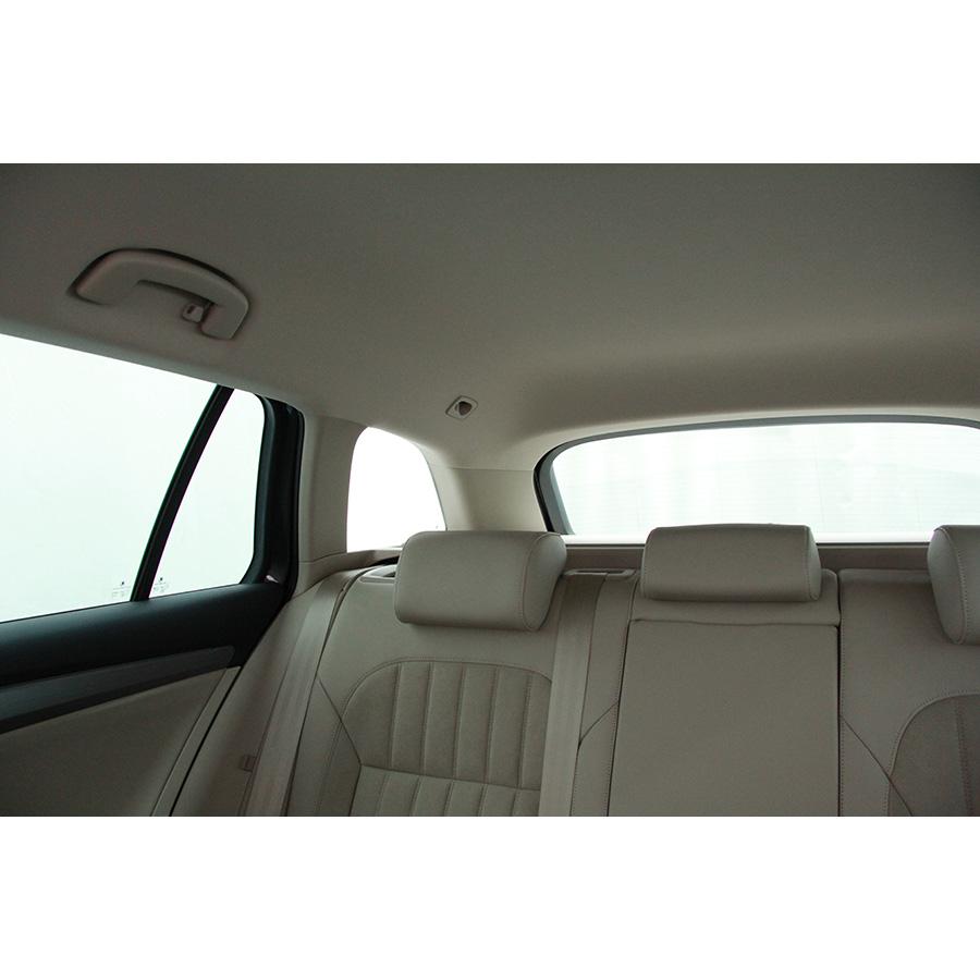 test skoda superb combi 2 0 tdi 190 essai voiture routi re ufc que choisir. Black Bedroom Furniture Sets. Home Design Ideas