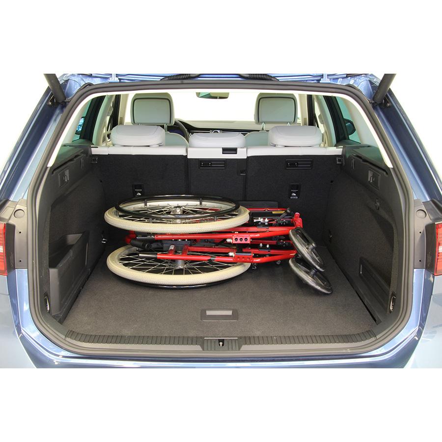 test volkswagen passat sw 1 4 tsi 218 hybride rechargeable. Black Bedroom Furniture Sets. Home Design Ideas
